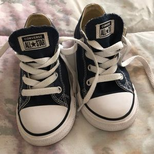 Toddler navy blue converse